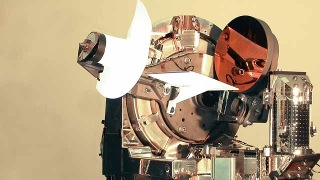 Astrium: création de la première liaison optique laser bidirectionnelle au monde entre un avion et un satellite de communication.