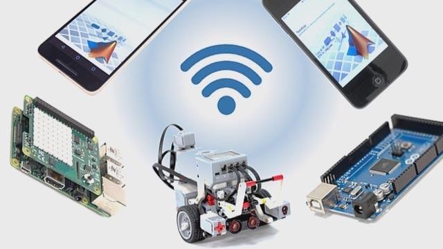 Prototypage rapide d'algorithmes sur plateformes embarquées et mobiles.