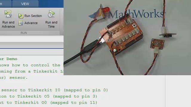 Cette vidéo vous présente comment communiquer avec une carte Arduino UNO directement à partir de MATLAB, en utilisant les fonctions du Suppport Packages MATLAB pour Arduino.